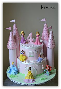 super Ideas for party ideas disney princess castle cakes halloween desserts Disney Princess Birthday Cakes, Castle Birthday Cakes, 4th Birthday Cakes, Castle Cakes, Disney Castle Cake, Princess Party, Easy Princess Cake, Fourth Birthday, Princess Disney