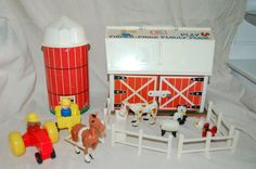 Vintage Fisher Price Farm Set 915 with Silo Farm Animals My girlfriend had this one.