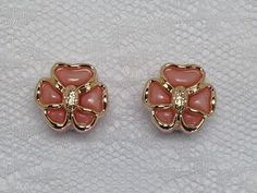 Hey, I found this really awesome Etsy listing at https://www.etsy.com/listing/193773386/pink-and-gold-flower-plugs-gauges-size