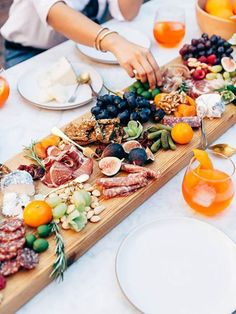 How To Host A Pinterest-Worthy Dinner Party - Sporteluxe