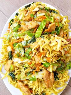 Anyone can make Authentic Chicken Chow Mein noodles, it just takes the right ingredients. What makes my Chicken Chow Mein authentic? Well you are just going to have to read on to find out! Easy Chinese Recipes, Asian Recipes, Ethnic Recipes, Healthy Mummy Recipes, Pasta, Le Diner, Asian Cooking, International Recipes, Food Dishes