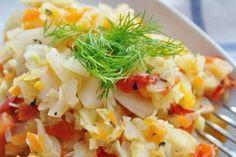 Juicy cabbage stew with vegetables Garlic Recipes, Avocado Recipes, Salad Recipes, Diet Recipes, Cabbage Stew, Braised Cabbage, Easy Vegetable Recipes, Vegetable Dishes, Easy Dinner Recipes