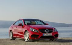 On a perfect day, With the perfect weather the new Mercedes-Benz E-Class goes on a hunt for the perfect mile in the USA.