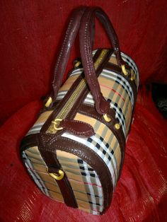 My+first+purse+cake!+-+I+attempted+a+Burberry+bag+cake,+hope+it+looks+good.