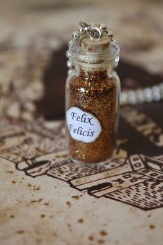 Harry Potter Potion - Felix Felicis Vial Necklace