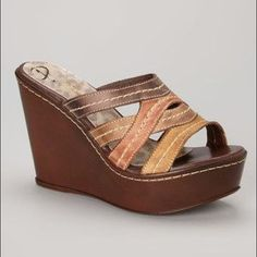 6873c6ded70 NWT Passarela Brown Wedges Gorgeous and so unique! Featuring genuine  leather from Brazil