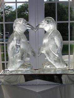 Penquins Ice Sculpture