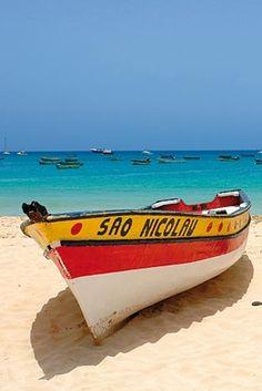Bak op het strand of rij door de woestijn met een quad, het eiland van uitersten, Sal! Op de Kaapverdische eilanden is het áltijd zomer! Vakantie v/a €399: https://ticketspy.nl/?p=122466