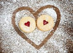 #linzeraugen #cookies #baking #recipes Baking Recipes, Cookie Recipes, Auto Follower, Organic Eggs, Roasted Almonds, Mulled Wine, Yummy Cookies, Homemade Christmas, Christmas Cookies