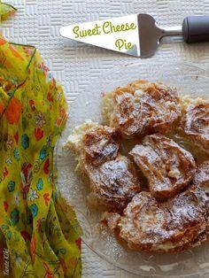 Καλημέρα και καλή εβδομάδα! Χρόνια τώρα στο βιβλίο συνταγών της γιαγιάς μου που καταγόταν από την Ήπειρο υπήρχε παραμελημένη τούτη η συνταγή. Λίγο το ένα, λίγο το άλλο η συνταγή πέρασε στα αζήτητα! Τ Cheese Pies, Greek Recipes, Chicken Wings, Sweets, Vegetables, Breakfast, Desserts, Food, Bread