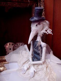 Charlotte+Čarodějka+noci,+hlídá+vaše+sny...+Foukně+jí+do+peříček,+zavřete+oči+a+možná..+budou+se+dít+věci+zázračné+.)+Seznamte+se+s+Charlotte+:)+Sběratelská+a+osobní+panenka+z+paper+mache,+textilu+a+ovčí+vlny.+Použity+látky+nové+i+starožitné,+šaty+tedy+perte+v+ruce+.)+Nemá+ráda+vlhko,+koupání+rozhodně+nedoporučuji,+v+případě+potřeby+ošetřete+vlhkým...