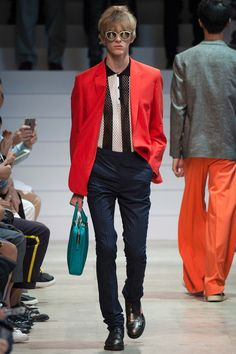 See the Paul Smith spring/summer 2016 menswear collection. Click through for full gallery