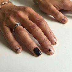 Pin on neutral simple nails Nagellack Design, Nagellack Trends, Cute Nails, Pretty Nails, Hippie Nails, Mens Nails, Line Nail Art, Lines On Nails, Neutral Nails