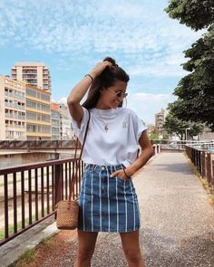 Simple but flirty outfits for a movie date - Kleidung für Frauen - Outfits Outfit Trends, Mode Outfits, Casual Outfits 2018, Uni Outfits, Party Outfits, Mode Inspiration, Fashion Inspiration, Fashion Ideas, Fashion 2018 Trends