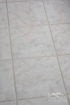 Best Way to Clean Bathroom Grout Inspirational 3 top Secret Tricks for Cleaning with Vinegar Cleaning Floor Grout, Cleaning Bathroom Tiles, Cleaning Ceramic Tiles, Clean Tile Grout, Cleaning Recipes, House Cleaning Tips, Diy Cleaning Products, Cleaning Hacks, Cleaning Solutions