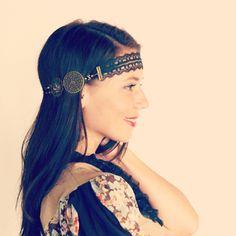 Headband collier dentelle noire et estampes bronze, de style rétro vintage. : Accessoires coiffure par mes-tites-lilis