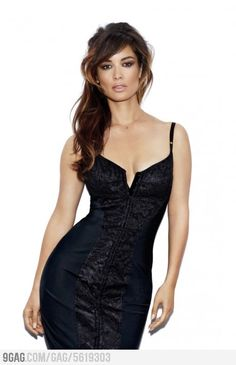The new Bond girl. I am dying to be in this shape! Better stop eating cake! ~Grace