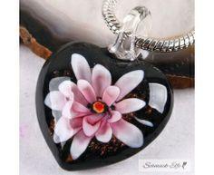 Herz Kette Glas Kunst lila weiße Blüte   im  Organza Beutel