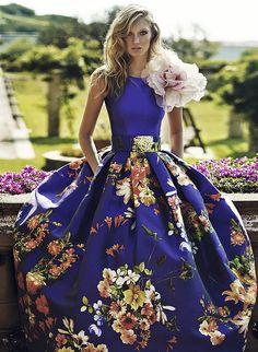 Vestido azul tinta estampado vuelo de Matilde Cano