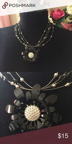 Flower necklace Black and silver Jewelry Necklaces