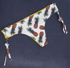DU BRAZIL brasileña reversible piña blanca Clothes Hanger, Fashion, Bikini Swimwear, Swimsuits, Coat Hanger, Moda, Fashion Styles, Clothes Hangers