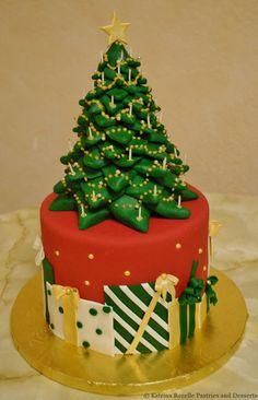 Christmas cake ideas and designs; Christmas Wedding Cakes, Christmas Cake Designs, Christmas Tree Cupcakes, Christmas Cake Decorations, Holiday Cakes, Christmas Desserts, Christmas Treats, Father Christmas, Bolo Fake Eva