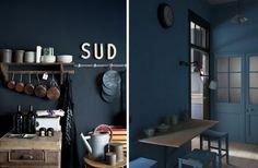 cuisine murs bleu foncé