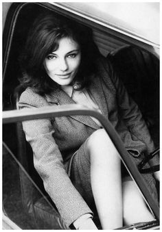 Jacqueline Bissett in her Mini Cooper. Photo: John Cowan, London, June 1964.