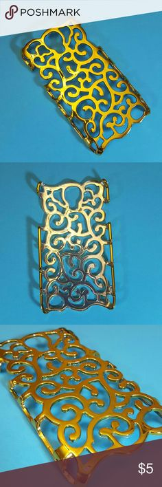 Filigree gold color phone case - samsung galaxy s4 Gold colored filigree plastic phone case.  Fits a samsung galaxy S4 phone. Accessories Phone Cases