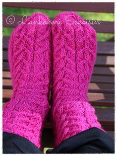 ANNIKA.B-palmikkosukat :)   #knitting #woolsocks #villasukat #palmikkosukat #neulominen #womenswoolsocks Womens Wool Socks, One Color, Colour, Yarn Colors, Villa, Pattern, Fashion, Wrist Warmers, Color