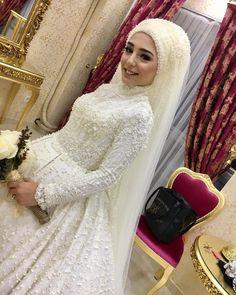 Nagihan özdoğan makeup studio on In Bridal Hijab, Muslim Wedding Dresses, Muslim Brides, Wedding Hijab, Muslim Women, Bridal Dresses, Bridesmaid Dresses, Muslimah Wedding, Muslim Girls