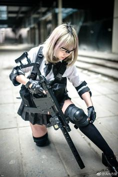 Cute Asian Girls With Guns - Japanese Cosplay Armed Schoolgirls Anime Cosplay, Best Cosplay, Cosplay Girls, Cute Asian Girls, Cute Girls, Gunslinger Girl, Human Poses, Poses References, Military Women