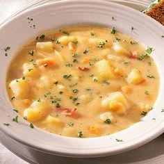 Sopa de patata y ajo asado.