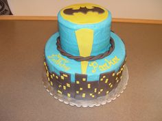 Bat Man Cake.  Idea from the internet.