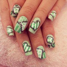 Green patchwork hearts | Nail Art