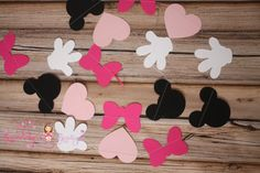 Check out this item in my Etsy shop https://www.etsy.com/listing/220306455/12-ft-minnie-mouse-garland-mickey-mouse