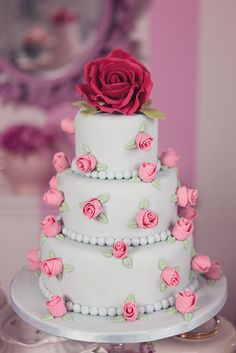 Cath Kidston inspired wedding cake table