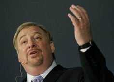 """Internet spreading new accusations connecting Rick Warren with """"Chrislam""""  After an Orange County Register article describes Saddleback Community Church's outreaches to the Islamic community, pastor taken to task on conservative websites"""