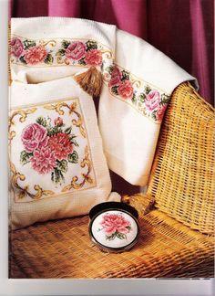 Gallery.ru / Фото #168 - 165 Pillows Cross Stitch - joobee
