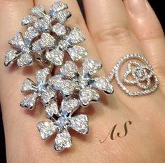 De Beers diamond ring ~ Instagram