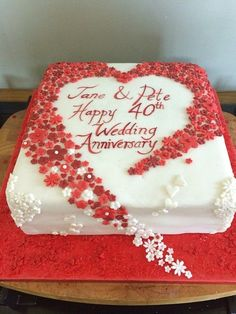Hearts and flowers wedding anniversary cake. Ruby wedding anniversary - Modern Hearts and flowers wedding anniversary cake. Ruby wedding anniversary Looking for gift ideas for girlfri 40th Wedding Anniversary Party Ideas, Anniversary Cake Pictures, Marriage Anniversary Cake, Golden Wedding Anniversary, Anniversary Flowers, Anniversary Cupcakes, Golden Anniversary, Anniversary Ideas, Happy Anniversary