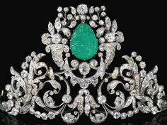 bijoux de Gina Lollobrigida chez Sotheby's Tiare diamants et émeraude gravée - prix estimé : plus de 80.000 euros
