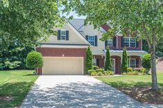 OPEN HOUSE SUNDAY JULY 17TH 2:00-5:00 Hurry this great home will not last long!