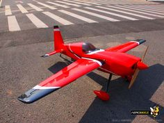 "87"" 30% Edge 540 50cc Gas 3D Aerobatic ARF RC Plane Red/Black"
