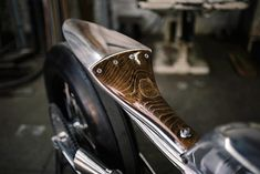 rhubarbes: '65 Harley Ironhead by Hazan Motorworks. (via '65 Harley Ironhead – Hazan Motorworks | Pipeburn.com) More bikes here.