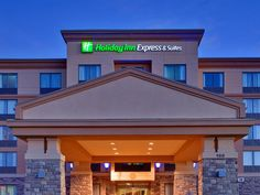 Huntsville (ON) Holiday Inn Express & Suites Huntsville Canada, North America Set in a prime location of Huntsville (ON), Holiday Inn Express & Suites Huntsville puts everything the city has to offer just outside your doorstep. The hotel offers guests a range of services and amenities designed to provide comfort and convenience. Free Wi-Fi in all rooms, 24-hour front desk, facilities for disabled guests, car park, newspapers are there for guest's enjoyment. Television LCD/plas...