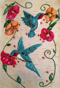 Humming birds with flowers on birchbark. Made by In… Mi & # kmaq porcupine feather … Native Beadwork, Native American Beadwork, American Indian Art, Native American Art, Beaded Embroidery, Hand Embroidery, Birch Bark Crafts, Belle Epoque, Beadwork Designs