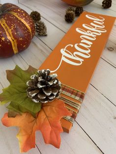 Fall Halloween, Halloween Crafts, Holiday Crafts, Thanksgiving Signs, Diy Thanksgiving Decorations, Thanksgiving Wood Crafts, Thanksgiving Wreaths, Fall Decorations, Fall Wood Crafts