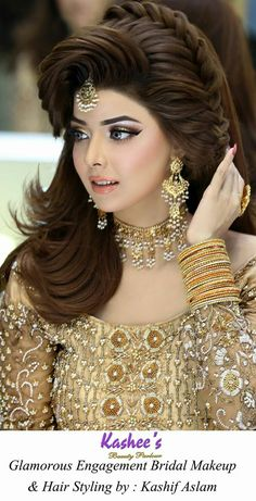Pakistani Engagement Hairstyles For Brides In 2020 Pakistani Engagement Hairstyles, Indian Hairstyles, Bride Hairstyles, Hairstyle Ideas, Bridal Makeup Looks, Bridal Hair And Makeup, Bride Makeup, Wedding Makeup, Pakistani Bridal Makeup