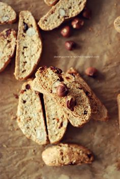 Whole grain vanilla cantuccini with hazelnuts and cranberry. Cookie Brownie Bars, What You Eat, How To Make Cookies, Truffles, Tart, Vanilla, Paleo, Healthy Eating, Bread